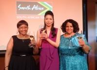女優 高橋ひとみ さん「南アフリカ観光親善大使」就任一周年を迎える