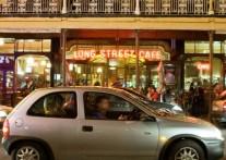 躍動するケープタウンのロングストリート